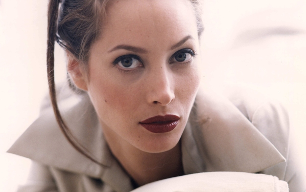 67449_christy_turlington2_122_520lo_R