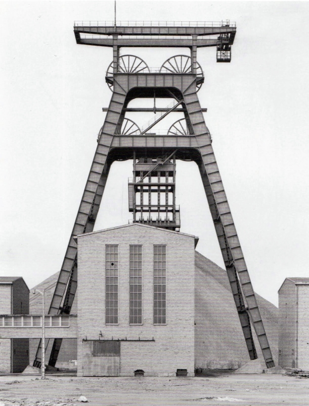 Bernd & Hilla Becher - winding tower