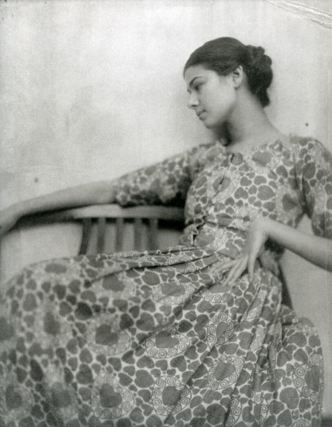 Minya Diez-Dührkoop_portrait d'une jeune femme_v1915