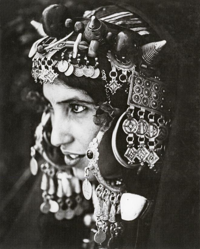 Anonyme_femme de Tarhjicht en parure de fête, oasis du Bani_sd_p164