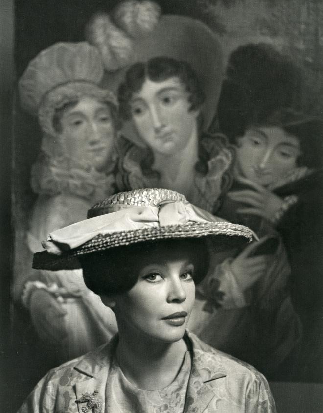 Karsh_Leslie Caron, 1963_p182
