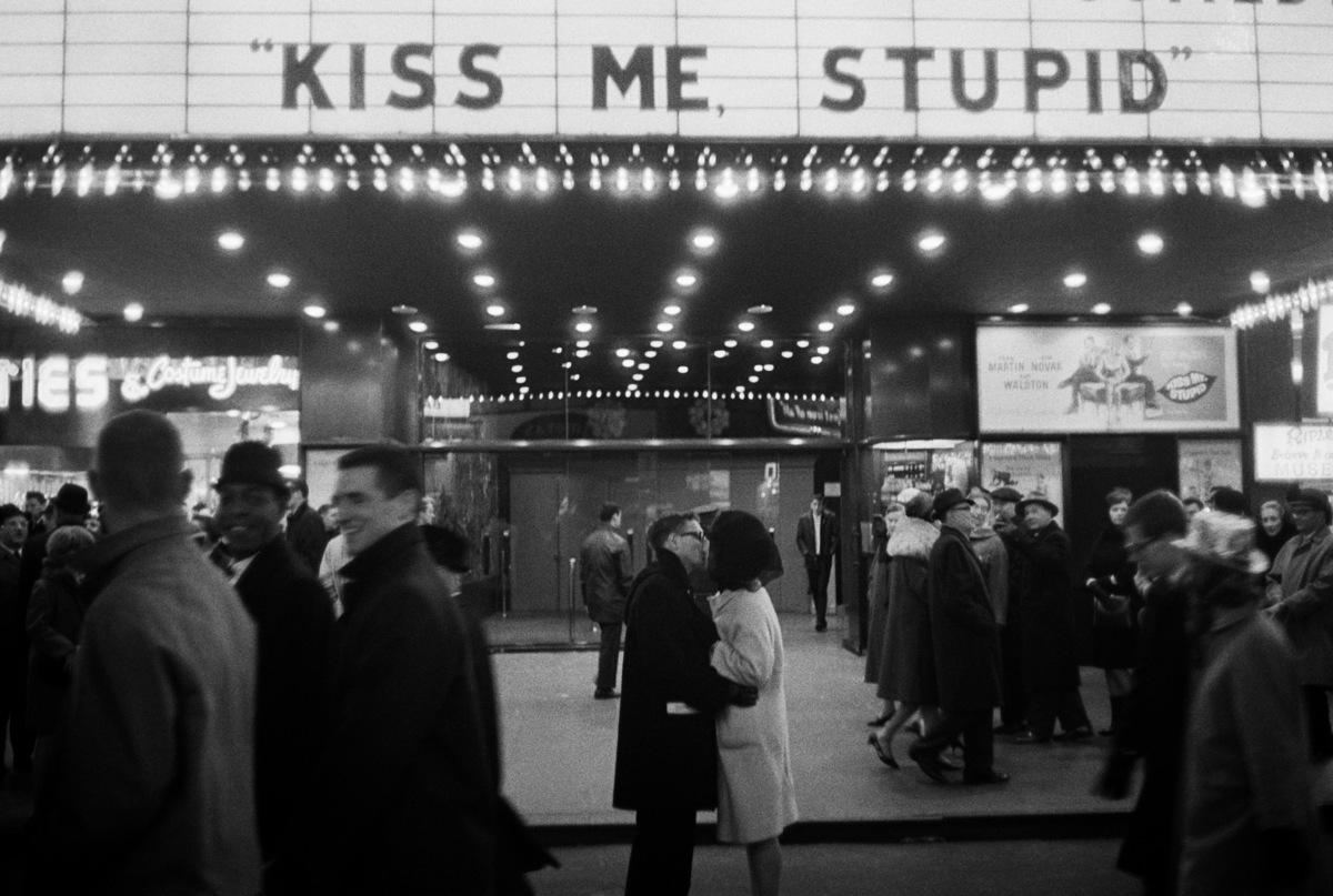 joel meyerowitz_kiss me stupid