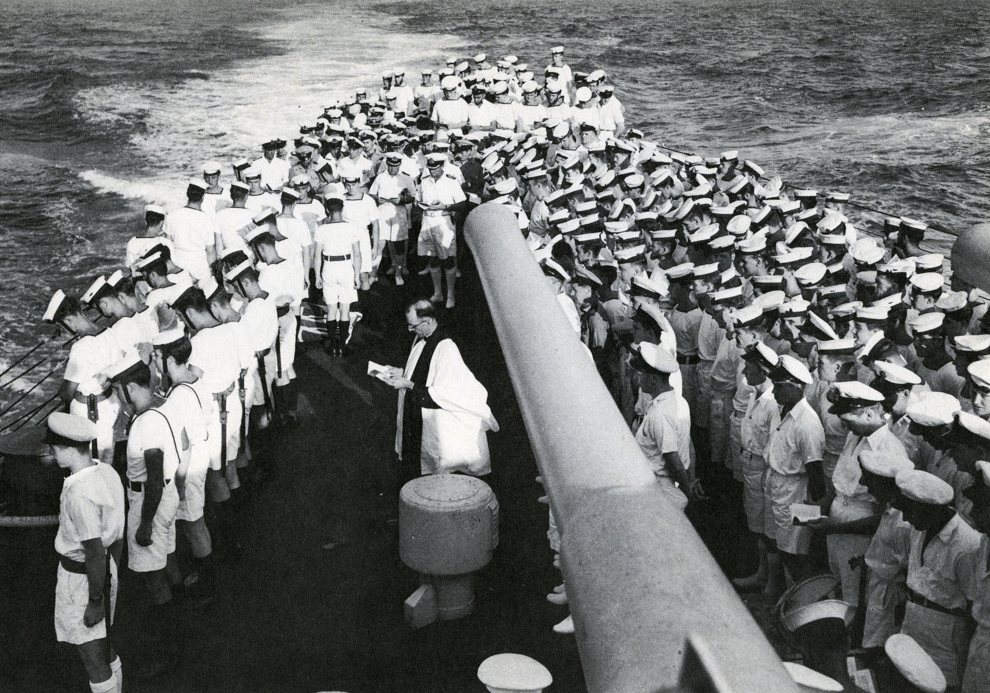 gerald milne moses_sépulture en mer, HCMS Uganda, 4 avril 1945