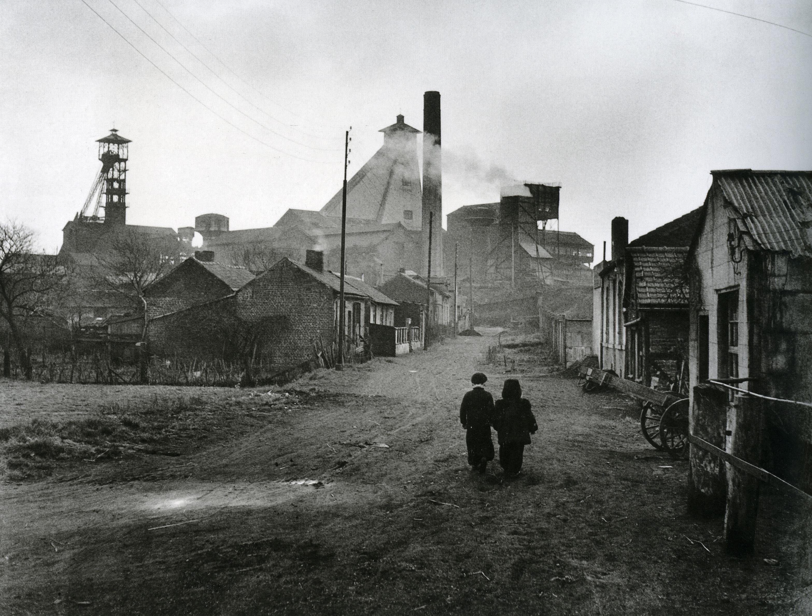 Ronis_Courrières-les-Lens, 1951_p132