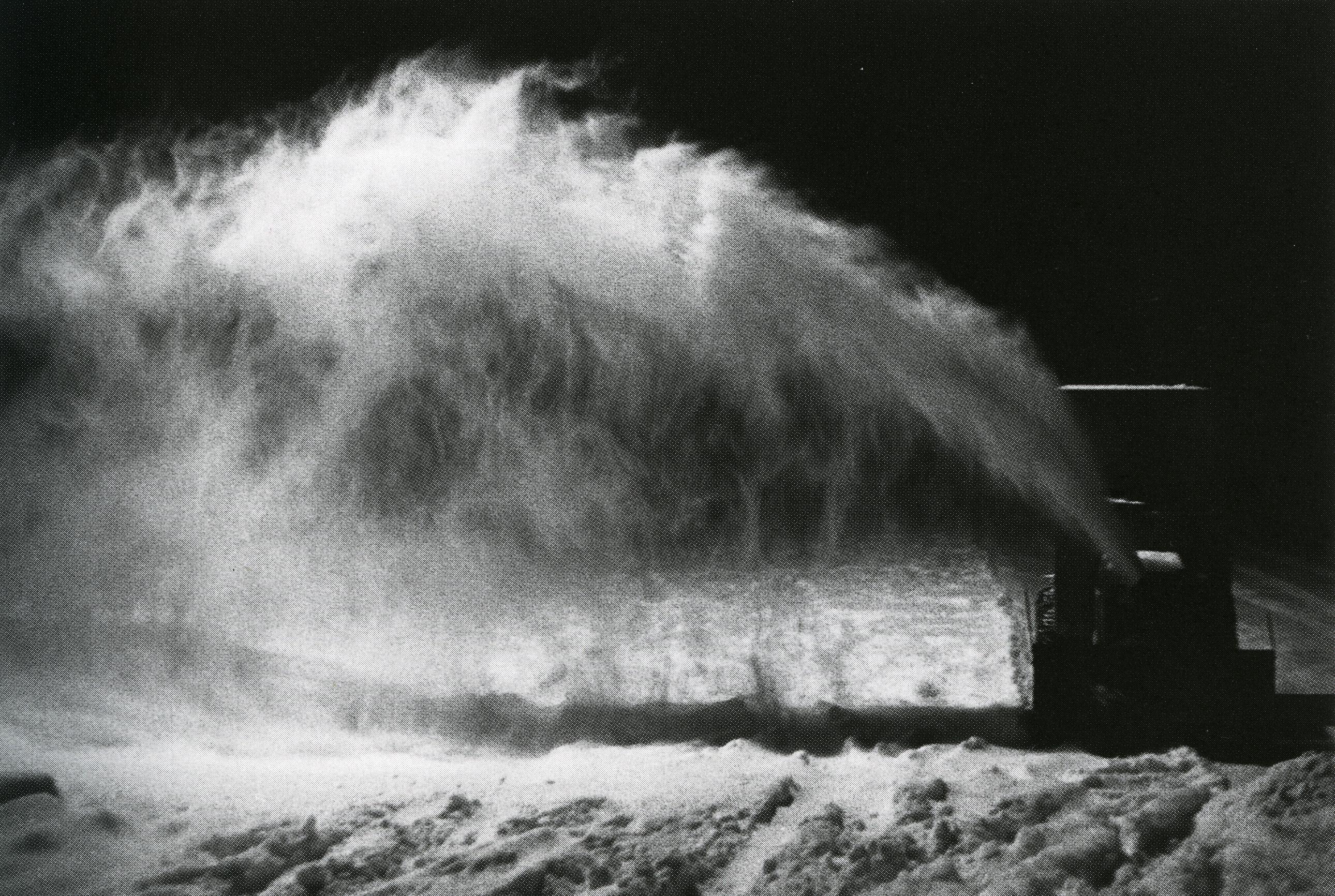 jf leblanc_souffleuse à neige sur patinoire extérieure_Lac-Saint-Jean, QC, 1989_p33