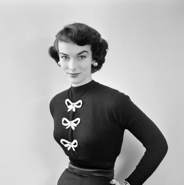 nina leen_victoria von hagen_sept 1952
