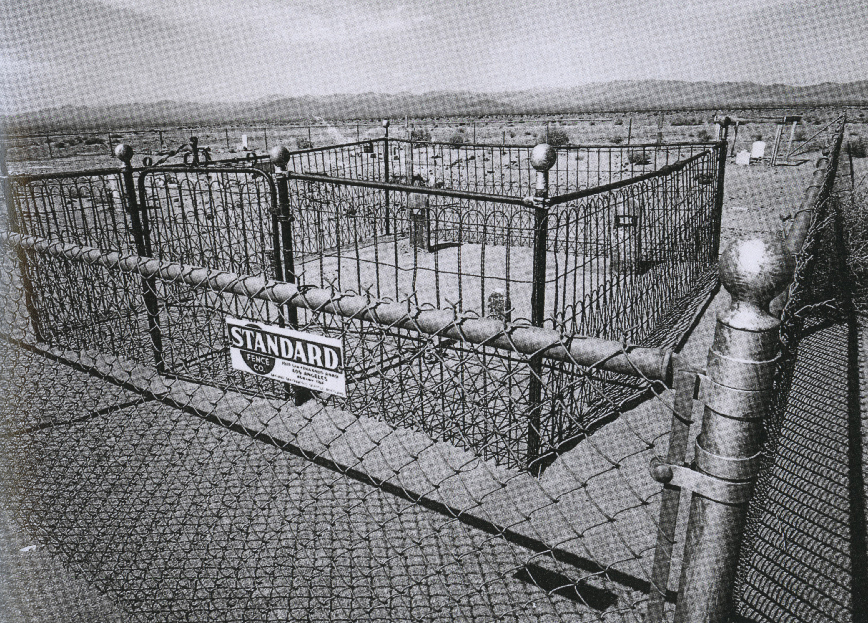 ettore sottsass_cimetière_nevada, états-unis, 1977_p43