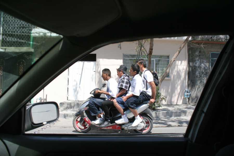 oscar fernando gomez_scooter