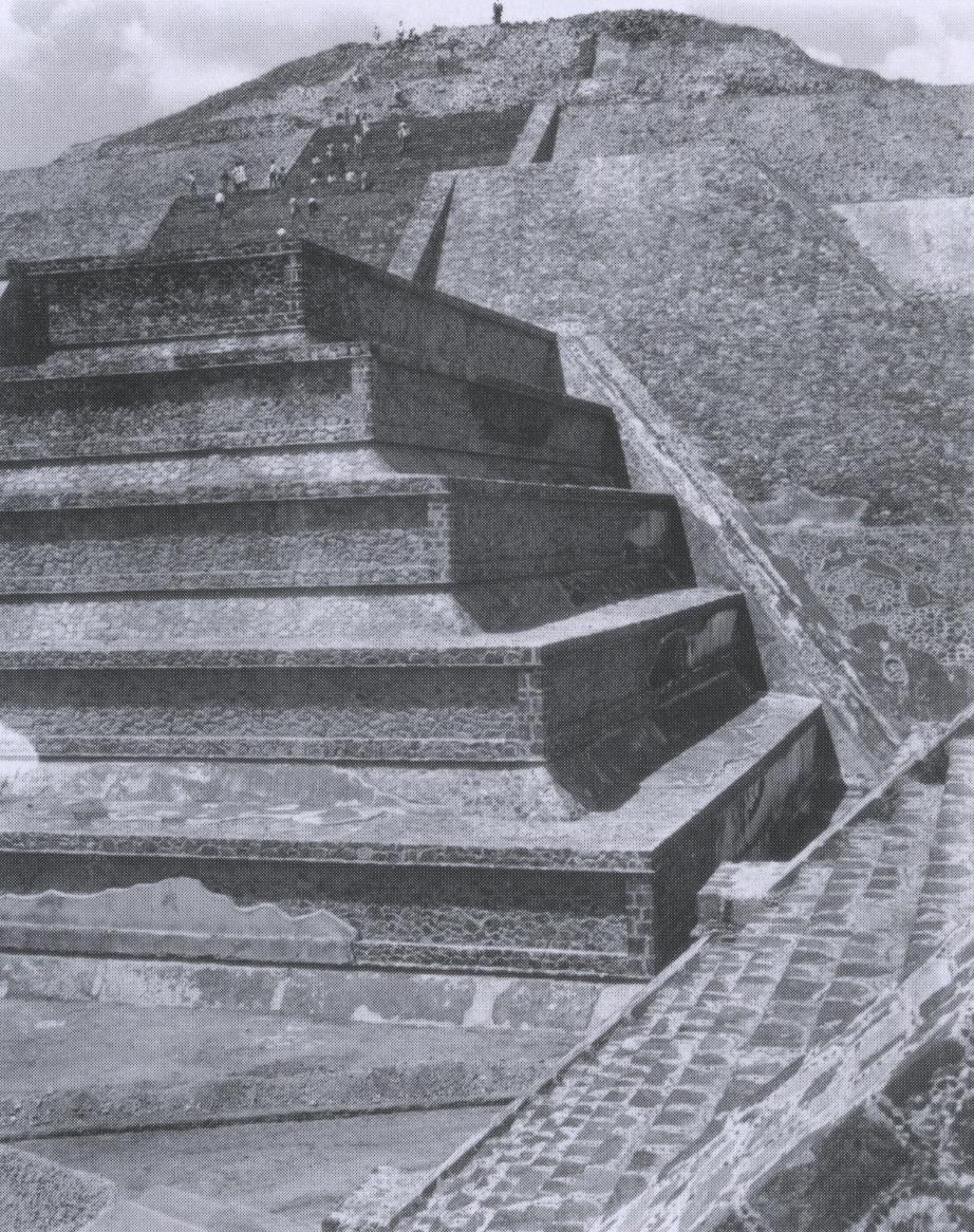 rodrigo moya_piramide del sol, teotihuacan, 1963